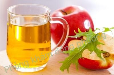 Cách trị nấm móng bằng dấm táo