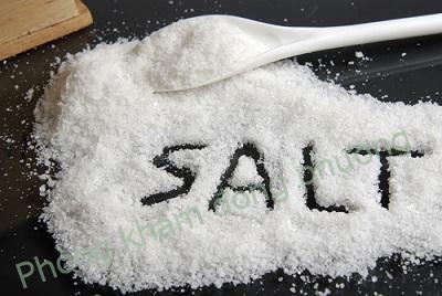 Hết lo nấm móng tái phát nhờ muối
