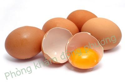 bị viêm da cơ địa không nên ăn trứng gà