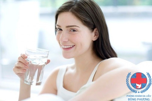 Nên uống nhiều nước lọc
