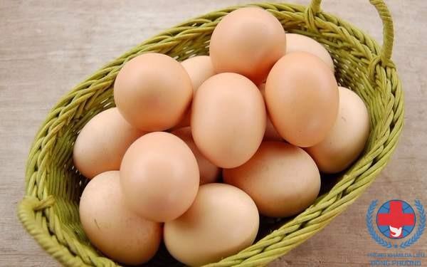 Bị nám da kiêng ăn gì chính là trứng gà