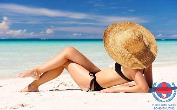 Nám da bụng do da tiếp xúc với ánh nắng mặt trời