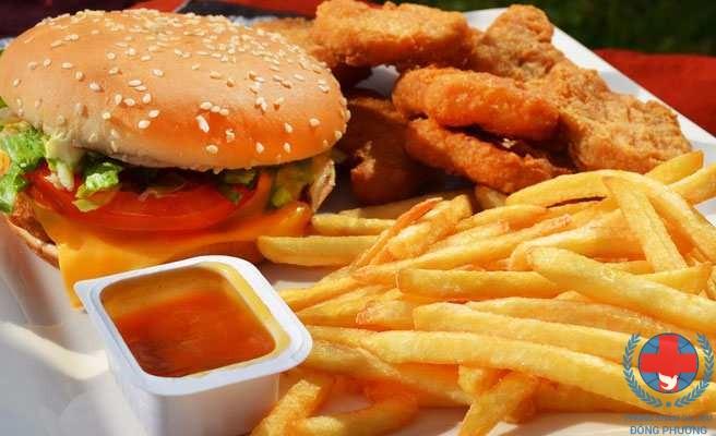 Bệnh lang ben kiêng gì chính là thực phẩm dầu mỡ