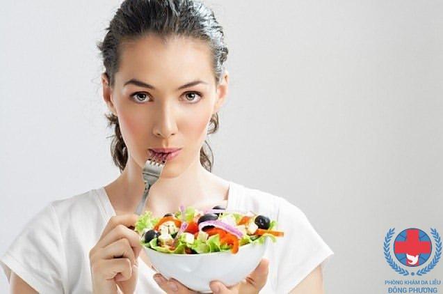 Bệnh vảy nến kiêng ăn gì cùng nghe chuyên gia hướng dẫn