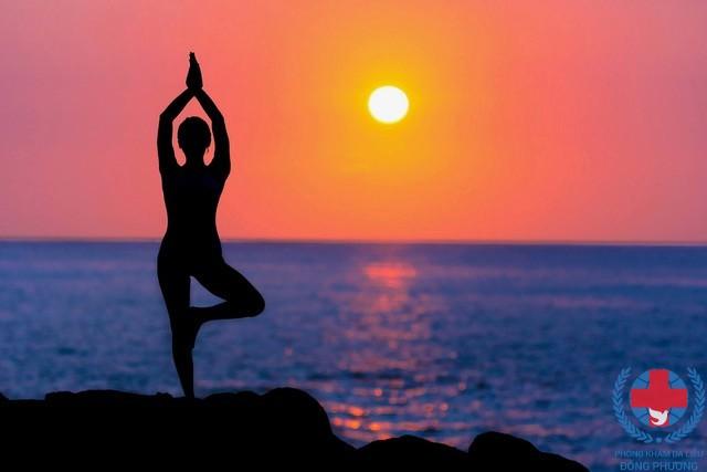 Có hay không việc tập yoga chữa bệnh vảy nến ?