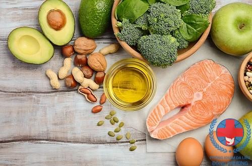 Nhóm thực phẩm tốt cho người đang trị mụn trứng cá
