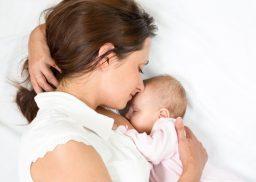 nguyên nhân nổi mề đay sau sinh