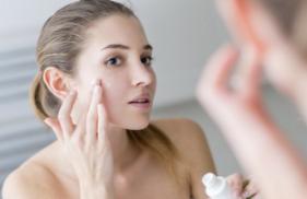 Dùng thuốc trị dị ứng da mặt như thế nào
